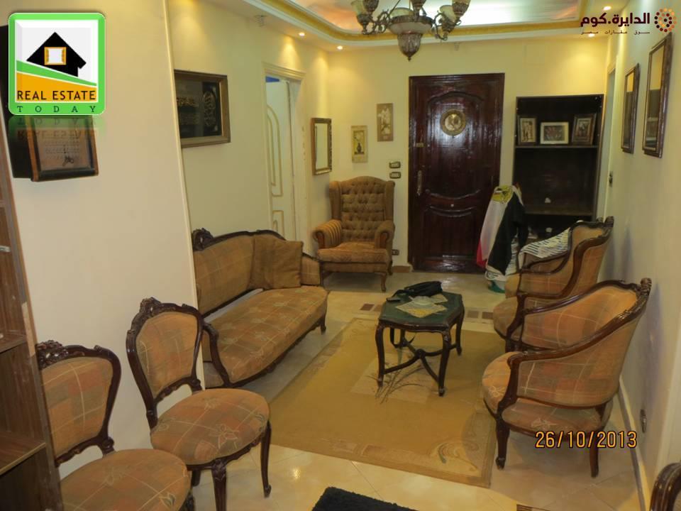 للبيع شقة بحمامات القبة دور أرضي ناصية جانبي من شارع ابن سندر وقريبة من محطة المترو